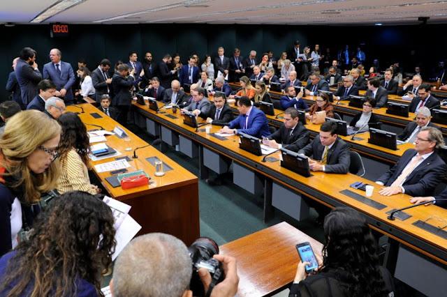 Comissão especial da reforma tributária é instalada na Câmara dos Deputados