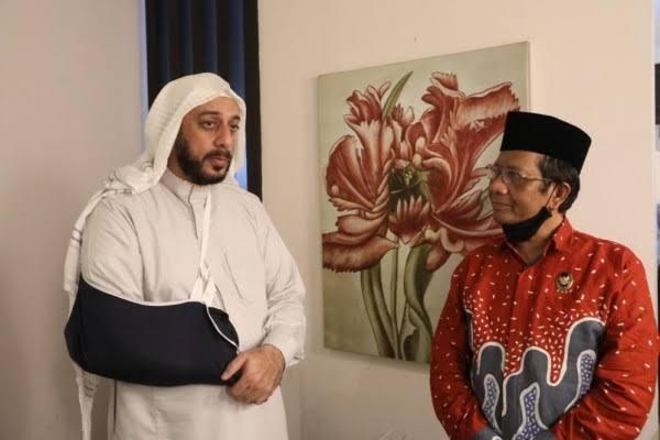 Lewat Mahfud MD, Syekh Ali Jaber Titip Pesan untuk Presiden Jokowi