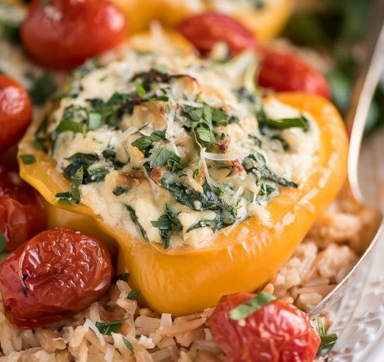 SPINACH RICOTTA STUFFED PEPPERS #vegetarian #parmesan