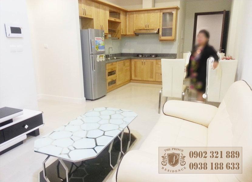 căn hộ cho thuê 1PN tại The Prince Q.Phú Nhuận -  phòng khách view bếp