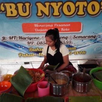 """Kuliner Semarang """"Special Nasi Ayam Bu Nyoto"""""""