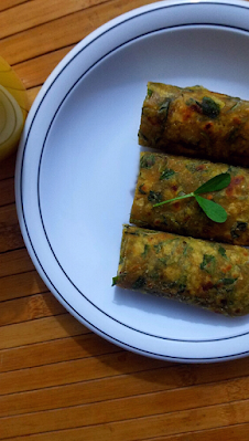 Methi Thepla Rolls Recipe