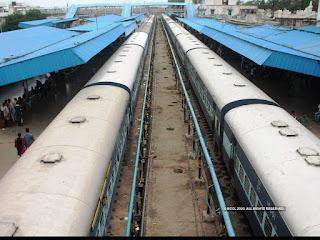 railway-fare-income-reduce-400-crore