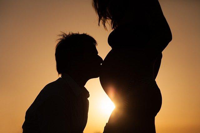Faktor Risiko Selama Kehamilan Yang Harus Diperhatihan
