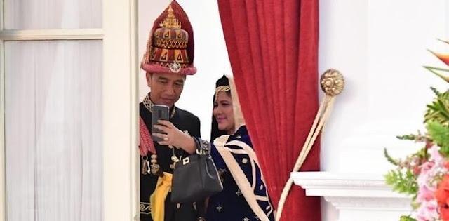 Haris Rusly Moti: Ada Faksi Di Tubuh Pemerintah Yang Mau Tendang Jokowi Seperti Mega Menggeser Gus Dur