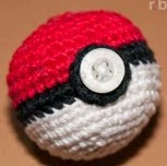 http://translate.googleusercontent.com/translate_c?depth=1&hl=es&prev=search&rurl=translate.google.es&sl=en&u=http://ribbelmonster.com/amigurumi-crochet-pokeball-pokemon-ball&usg=ALkJrhg3CyVHLtYZuVrPgV5yMY_itX6wUg
