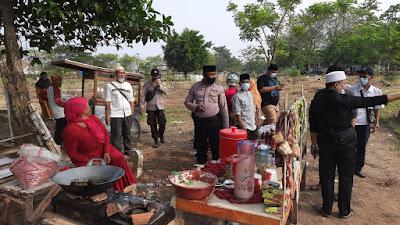 Desa Kayu Agung Lakukan Penerapan PPKM Mikro Di Wisata Makam Kepuh