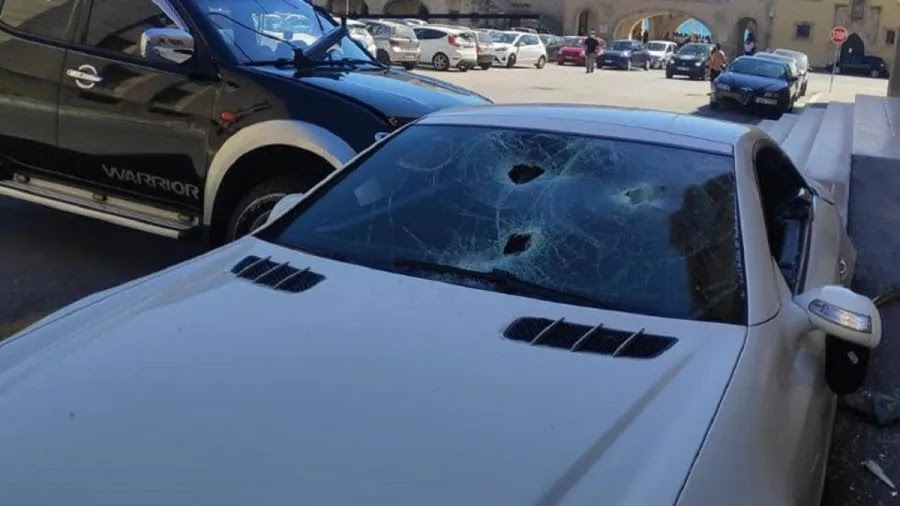 Ρόδος: Υπαστυνόμος κατέστρεψε το αυτοκίνητο του αστυνομικού διευθυντή του με βαριοπούλα (vid)
