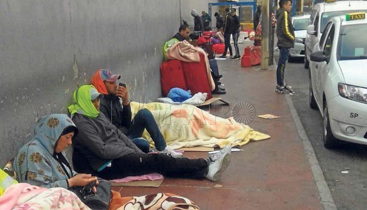 شرطة سبتة المحتلة تشرع في تحديد هويات المغاربة العالقين