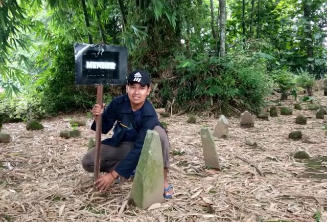 Warga dan Mahasiswa Gotong Royong Membersihkan Situs Duplank