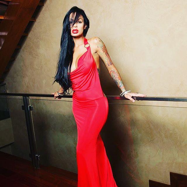 Angelina Valentine Photos