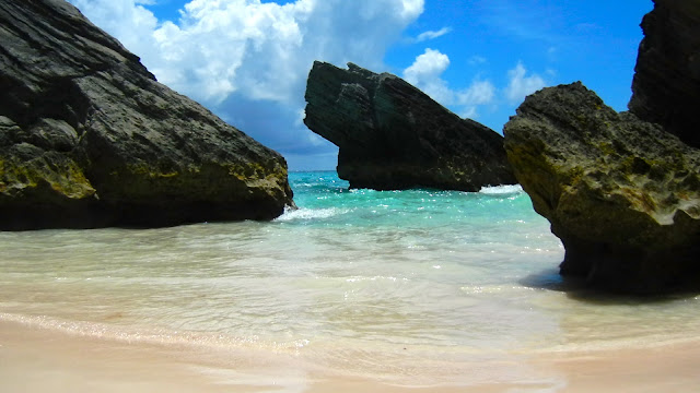 For Several Beach Location Horshoea Bay Have Pink Sand And Hidden As The Surround By Coral Reefs Rocks Make It