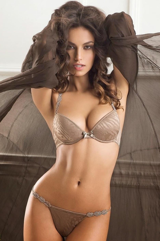 Sexy Romanian Women 54