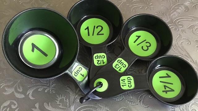 معايير المواد السائله والجافه والاكواب والملاعق بالمطبخ