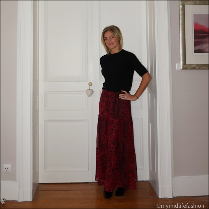 my midlife fashion, sole bliss Brooke leather ankle boots, boden classic buckle belt, Ridley leopard print  maxi skirt, h and m cashmere short sleeve jumper