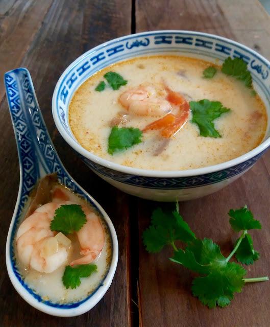 """alt=""""soupe Thaï aux gambas et à la citronnelle"""""""