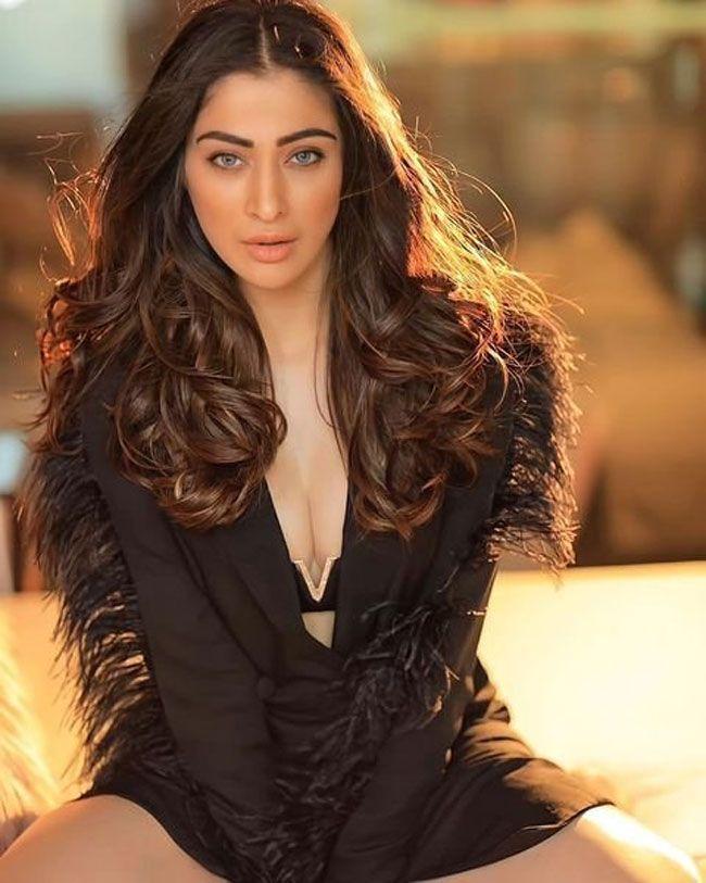 Actress Gallery: Raai Laxmi Latest Pictures