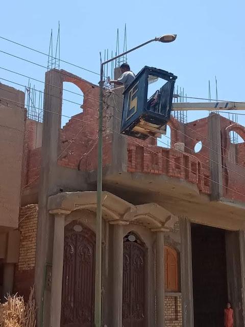 تركيب وصيانة كشافات بشوارع قرية الصلعا بمركزسوهاج