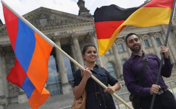 Piden educación sobre el genocidio armenio en Alemania