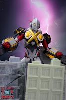 S.H. Figuarts Ultraman X MonsArmor Set 60