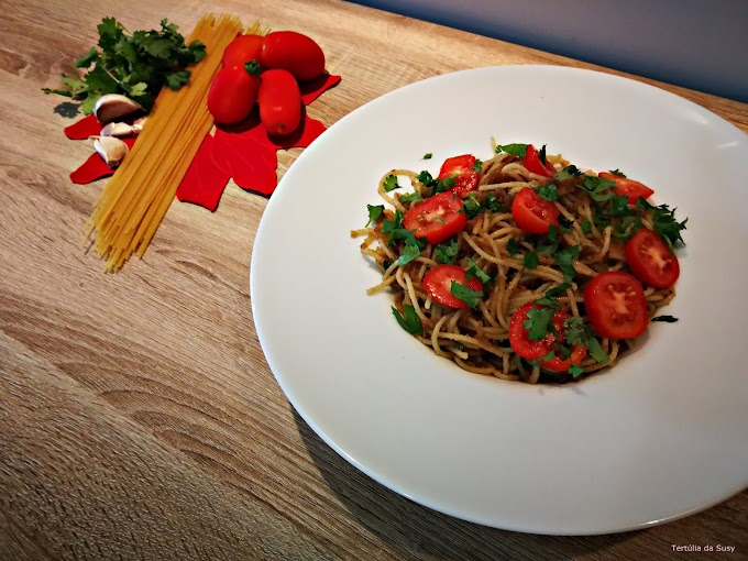 Esparguete com anchovas