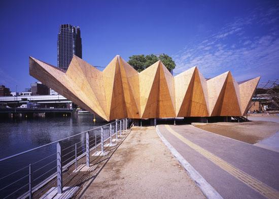 model Bangunan arsitektur dan origami