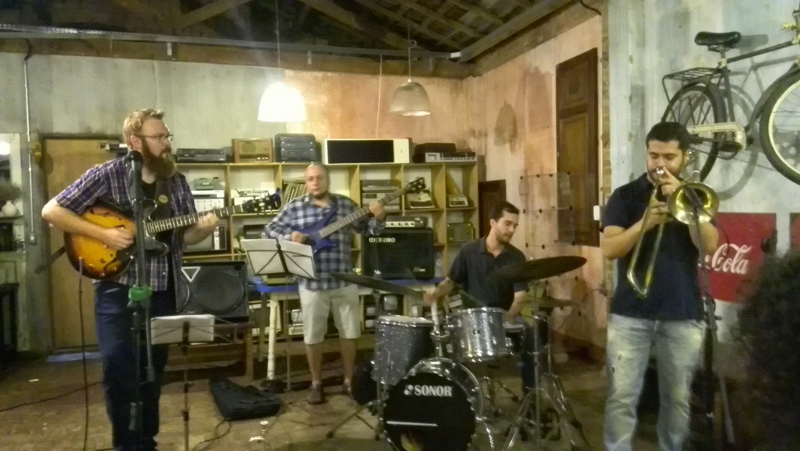 Aika 黒人 ブラジル音楽修行、それはブラジル人的生活。: おもしろい