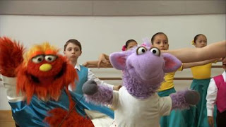 Murray and Ovejita learn about the Flamenco, Sesame Street Episode 4404 Latino Festival season 44