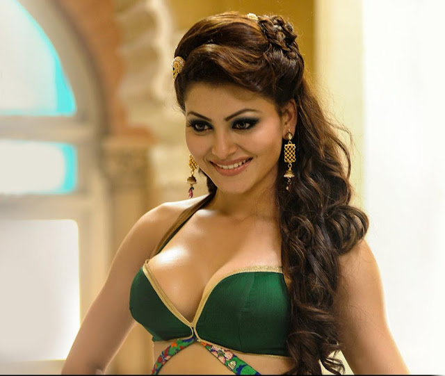 Great Grand Masti Urvashi Rautela hot