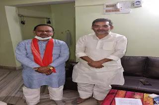 रिवॉल्वर से ठोंकने' वाले JDU विधायक और उपेंद्र कुशवाहा की मुलाकात, बिहार में सियासत तेज