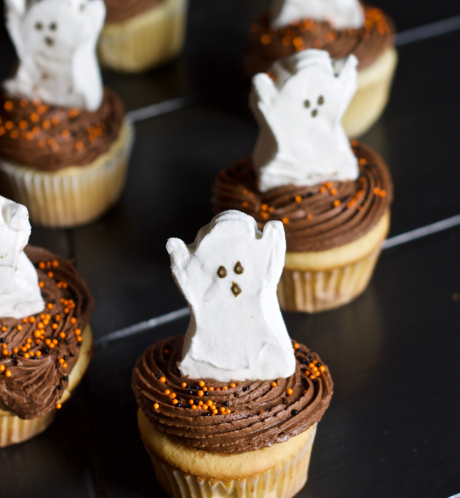 Halloween cupcakes bellarosabakingco for How to make halloween cupcakes from scratch