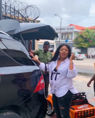"""""""Who Is Pregnant"""" - Laura Ikeji Denies Pregnancy Rumor After Revealing Baby Bump"""