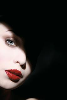 ಸೌಂದರ್ಯ ಒಂದು ಸುಂದರ ಸುಳ್ಳು - Beauty is a Beautiful Lie...
