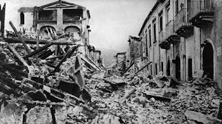 Fotografía de la destrucción tras el terremoto de Mesina 1908