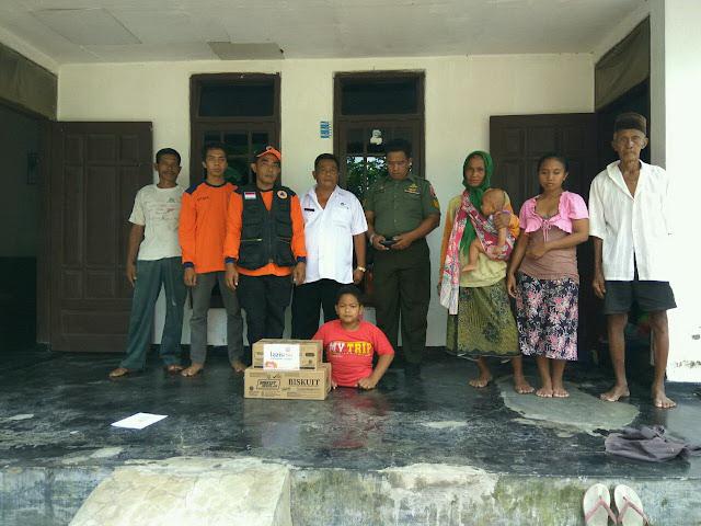 Ananda Shohibul Ihsan bersama keluaga besarnya dan relawan kemanusiaan sinergi lazismu jember