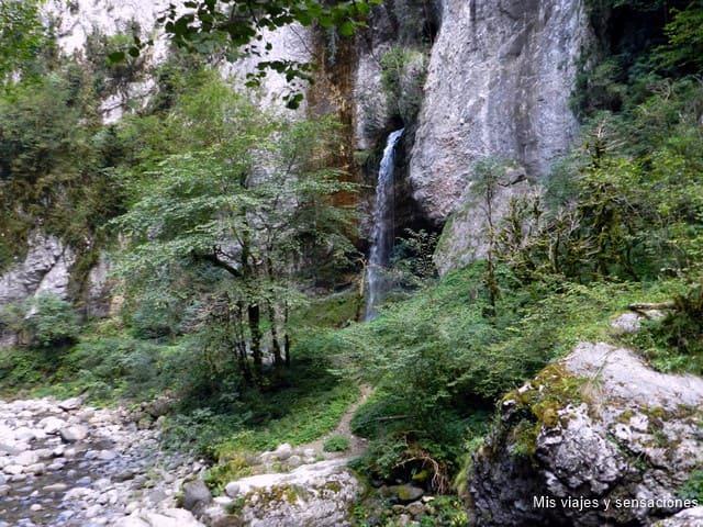 garganta de Kakueta, Francia