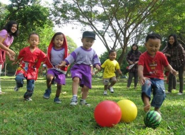 Latih Keseimbangan dan Konsentrasi Anak Melalui Kegiatan Outdoor yang Produktif