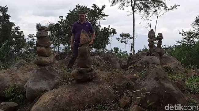 Heboh! Warga Garut Temukan Batu Bertumpuk, Diduga Situs Purbakala