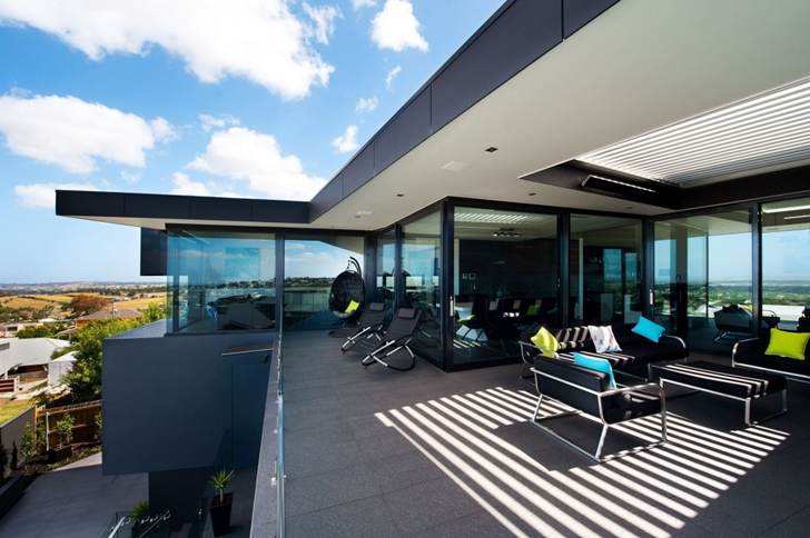 Upper floor terrace in Dream home in black and blue