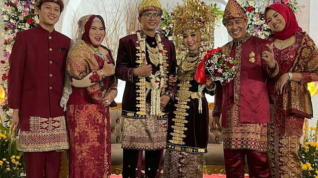 Mantan Kapolda Lampung Brigjen Pol. (P) Drs.Edward Syah Pernong.SH.MH  Dan Wali Kota Bekasi Hadiri Resepsi Pernikahan Cindy &Loeqman