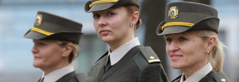 Нові капелюхи та підбори отримають жінки-військові