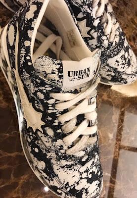 """現在、イタリアブランドのスニーカー【URBAN SUN(アーバンサン)】90年代のストリートファッションをイメージしたデザインと特徴が組み込まれ""""ダイナミック""""、""""力強さ""""、""""性能""""がアーバンサンのフィロソフィーとキーワード! 軽さや履き心地にも追求し、1日履いても疲れないのも特徴の1つ! メンズ andre224 ペイント加工 デニム  スウエット ジーンズ"""