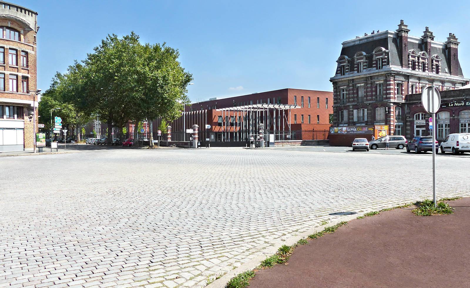 Place Semard Tourcoing - Gare et Pôle Emploi