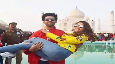 Kartik Aaryan and Sara Ali Khan at Taj Mahal