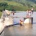 LOCAL: Crianças são flagradas tomando banho na Barragem Caianinha em São Joaquim do Monte.
