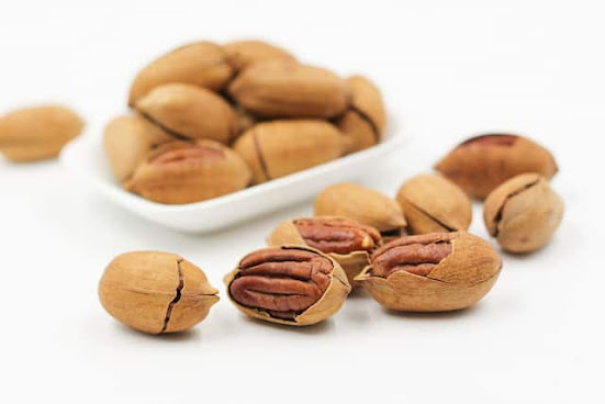 Omega 3 Food with Nuts and Seeds are best for Pregnancy