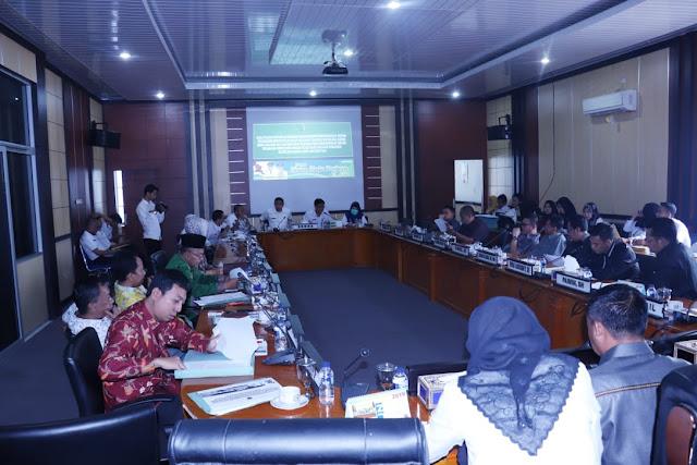 Eksekutif - Tim Banggar DPRD Muba Bahas Evaluasi Raperda Pertanggungjawaban Pelaksanaan APBD 2018