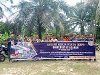 Jumat Bersih, Mahasiswa KKN UNA Aksi Bersih Bantaran Sungai