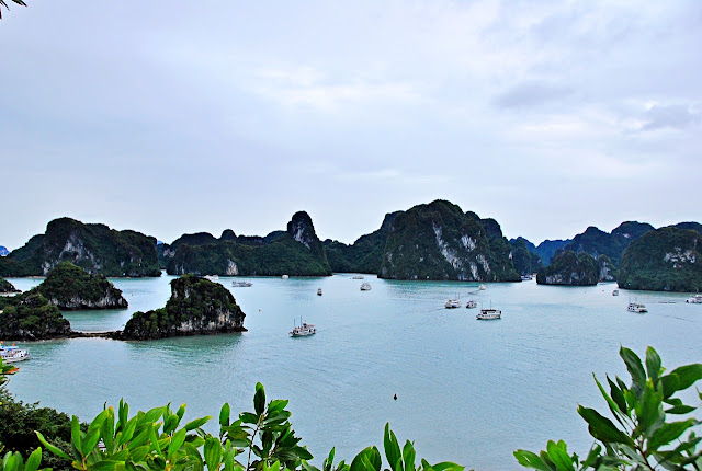 Jomie Benavides Naynes in Halong Bay