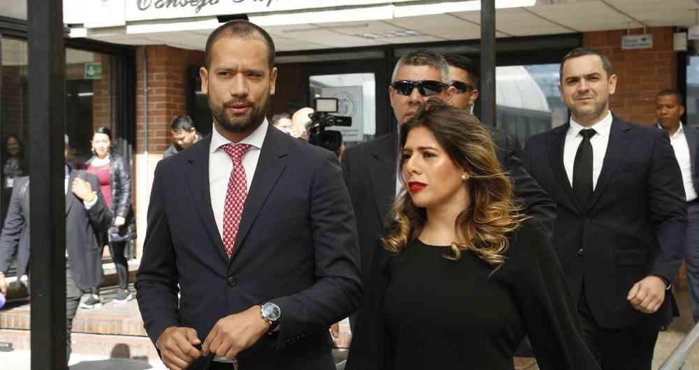 Casa por cárcel para Diego Cadena, exabogado de Álvaro Uribe, mientras es investigado